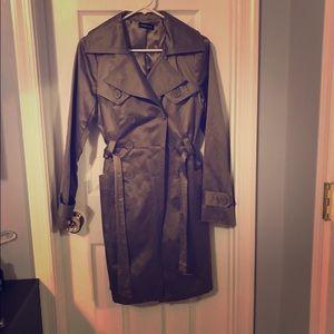 BEBE trench-coat super sexy